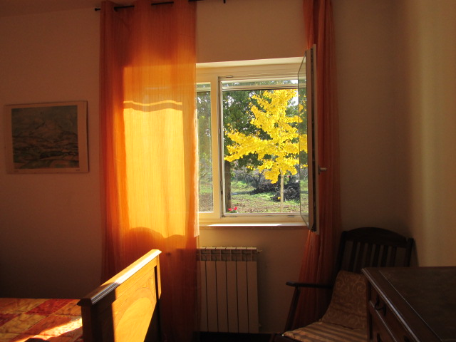 camera doppia il giallo dalla stanza arancio