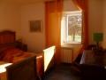camera doppia la luce dalla finestra