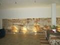 interni zona relax angolo muro di roccia